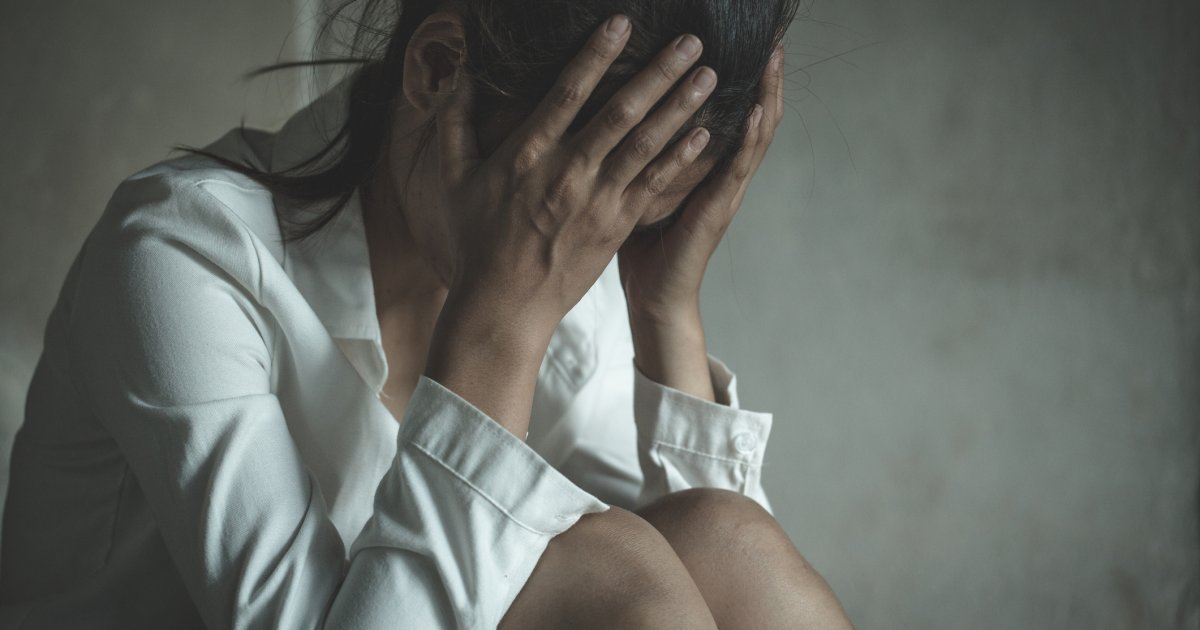 Lesbe verklagt die Polizei - Zwei Beamte wiesen ihre